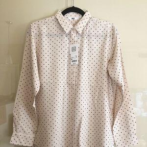 UNIQLO easy care rayon polkadot shirt/blouse, sz M